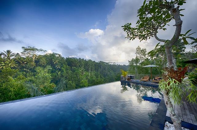 25 piscinas espectaculares de hoteles para disfrutar como for Piscinas espectaculares