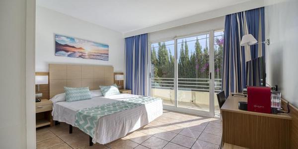 Hoteles 3 estrellas playa de san juan logitravel for Hoteles familiares alicante
